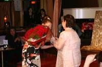 倉田夫人から小島先生への プレゼントは30本のバラの花!